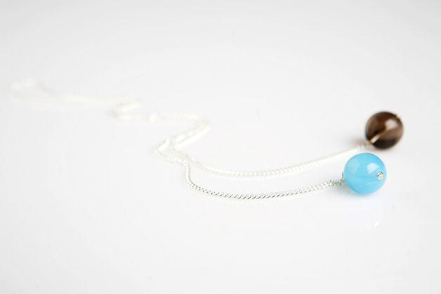 http://de.dawanda.com/product/24068213-silberkette-mit-rauchquarz-und-blau
