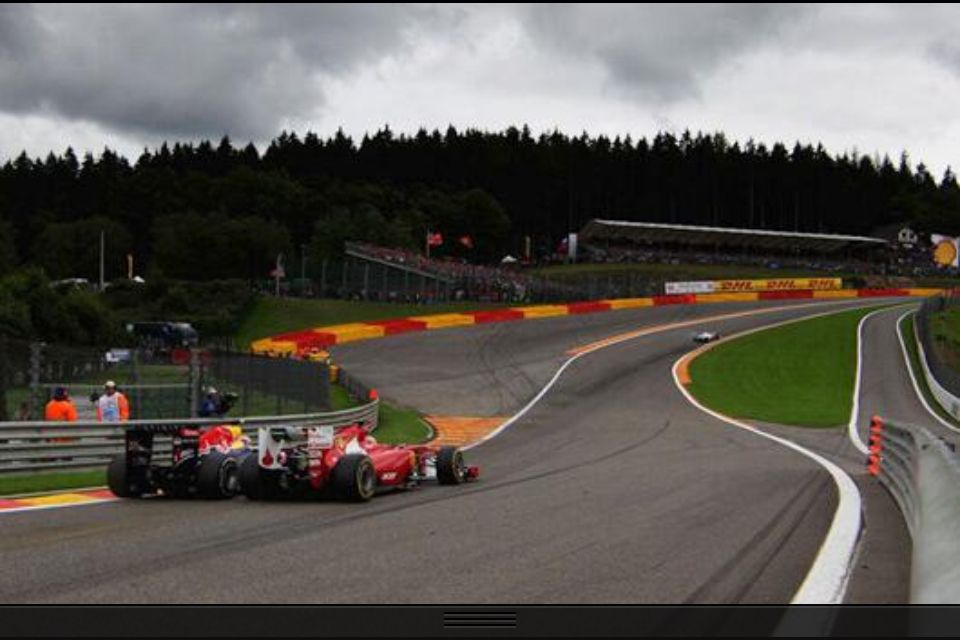 Mark Webber Passing Fernando Alonso At Eau Rouge Formula 1 Racing Monza