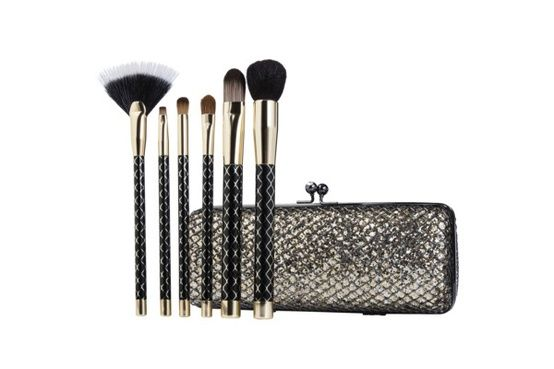 Genius: Makeup bags that double as party clutches!
