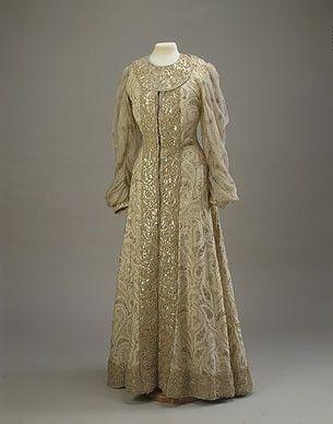 Princess Zinaida Nikolaevna Yussupova dressed in fancy gown for the 1903 Romanov Ball