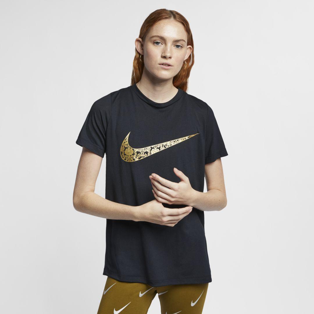 349781b78 Sportswear Essential Women's T-Shirt | Products | Nike sportswear, T ...