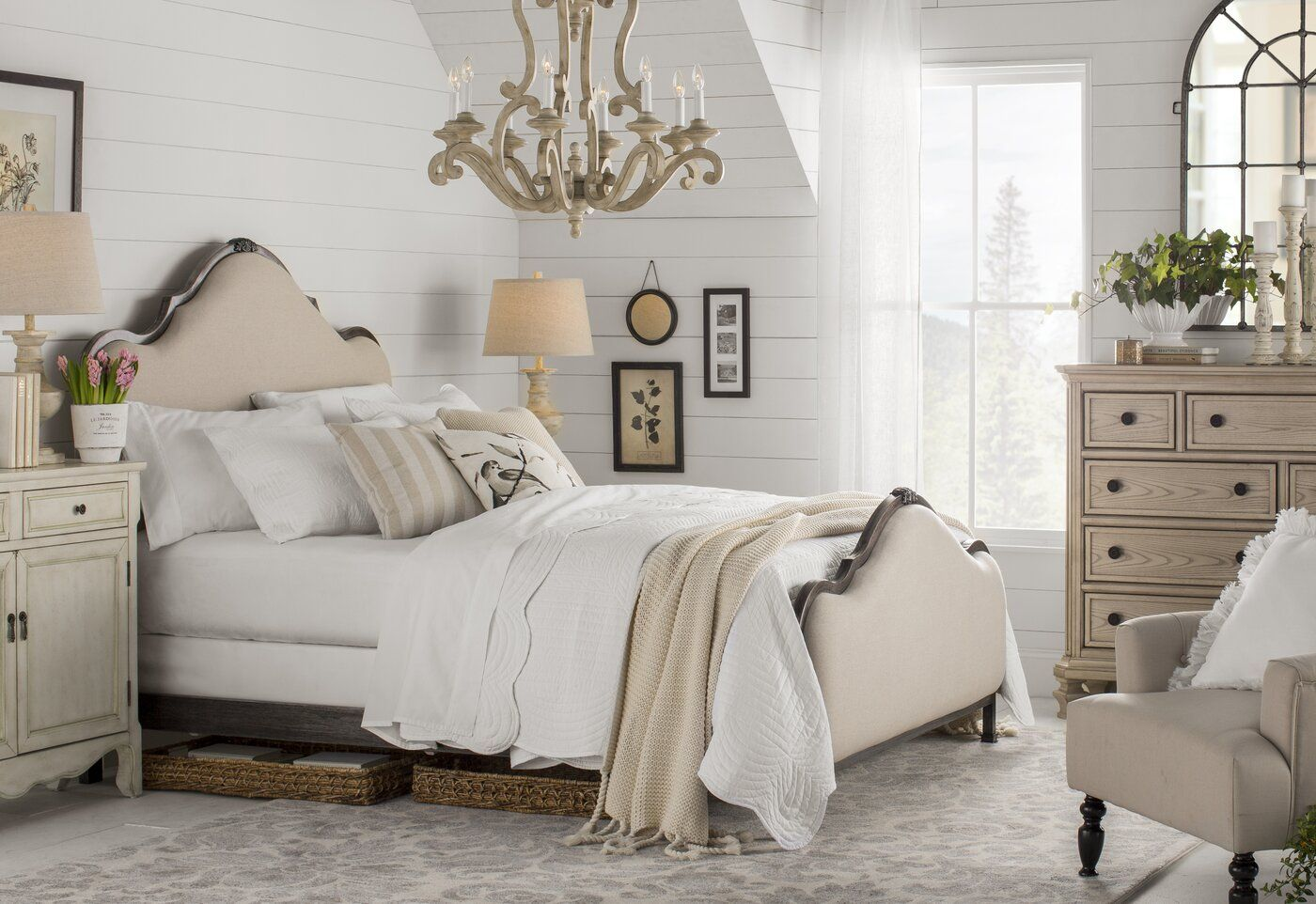 Greyleigh Saltville Upholstered Panel Bed & Reviews