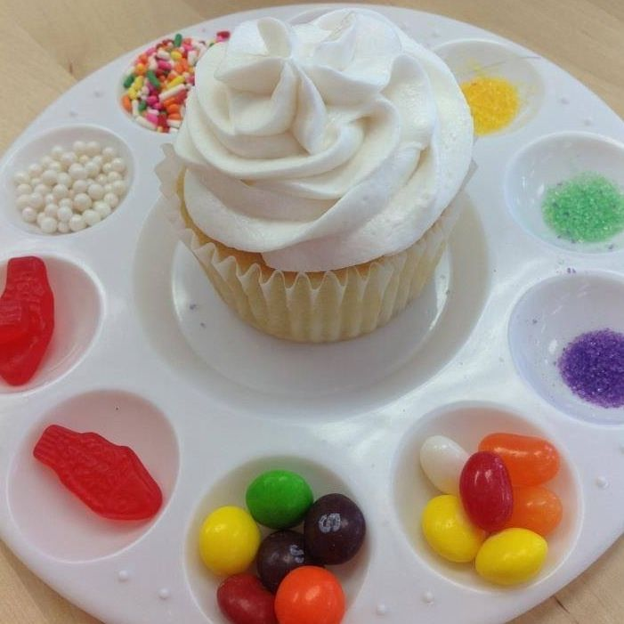 Build your own cupcake using goodies on a plastic paint palette! Via moms got ink
