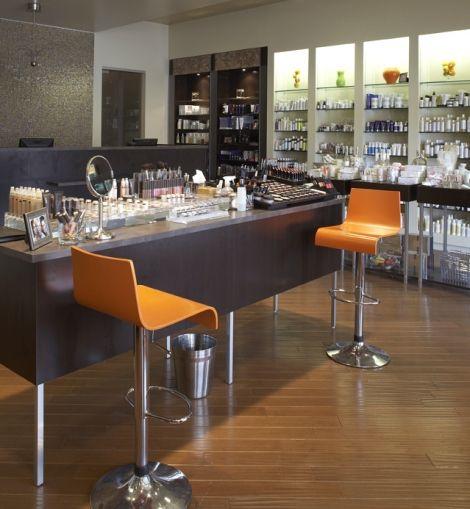 Best 25 makeup bar ideas on pinterest bedroom makeup for Vanity table near me