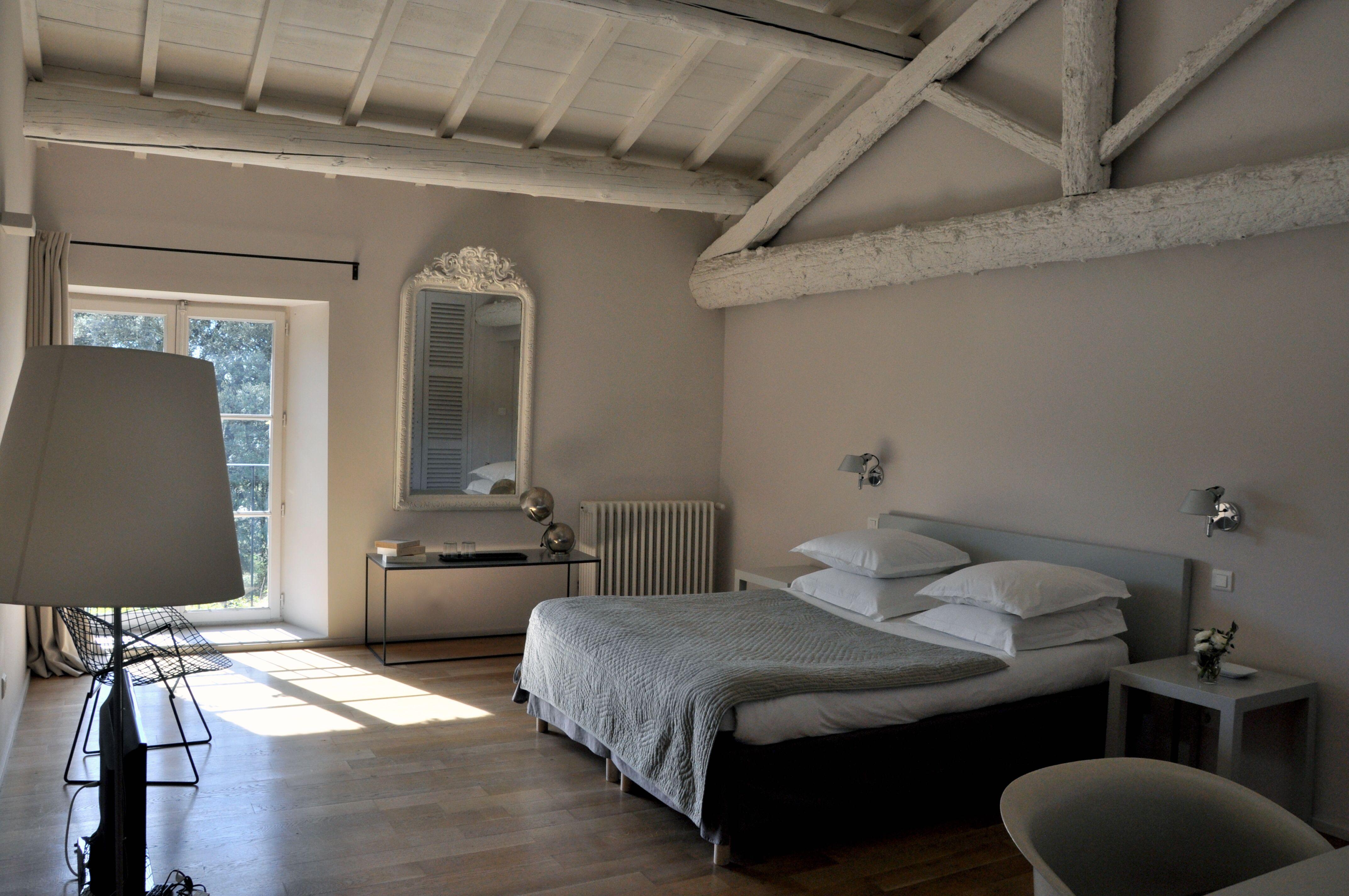 Chambre Rêves, Mas des Songes, Provence, Plaids Bras de Morphée, South of France, Raffinement, Charme