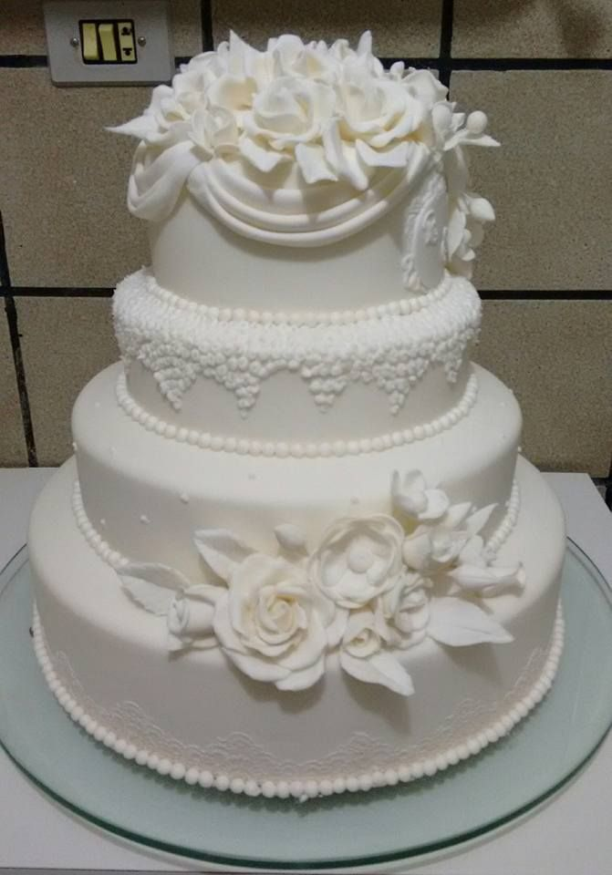 Pin By Jennifer On Cakes Wedding Cakes With Cupcakes Wedding