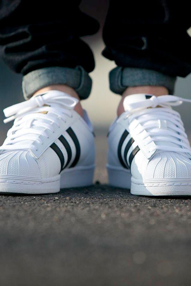 adidas superstar 2 white on feet