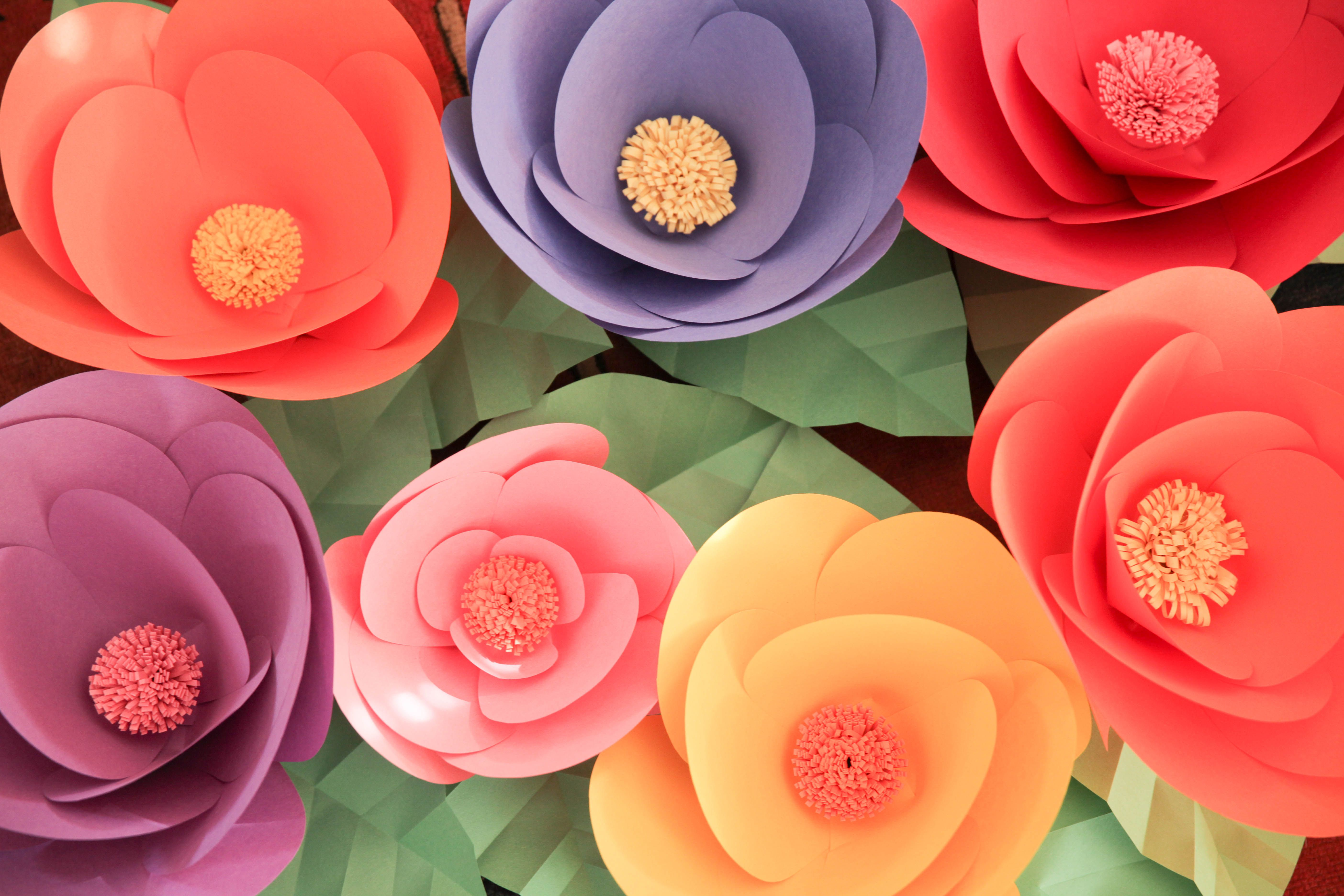 Diy Giant Paper Wall Flowers Make For A Great Statement Piece On An