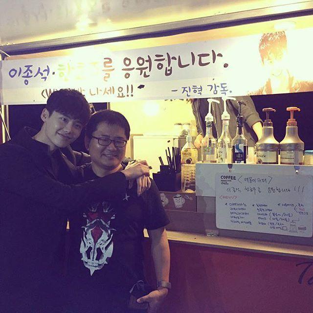 적진임에도 불구하고 홀로 응원 오신 SBS의 히든카드 진혁감독님..ㅋㅋ 😘 감사합니다! 알라뷰