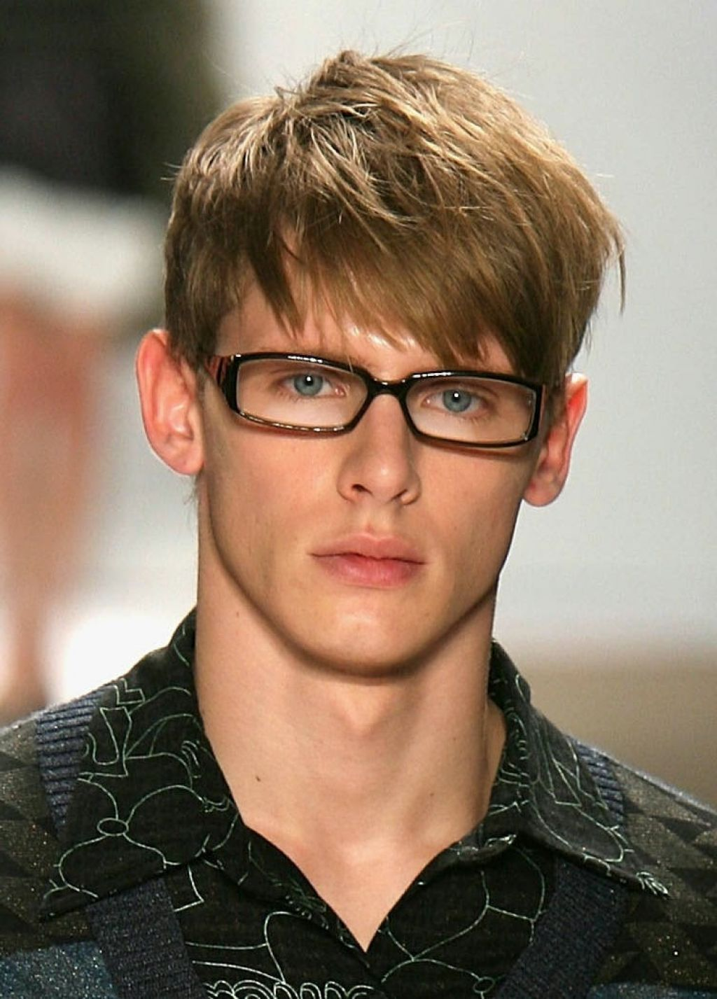 Short hairstyles for men with angular fringe u men hairstyle trend