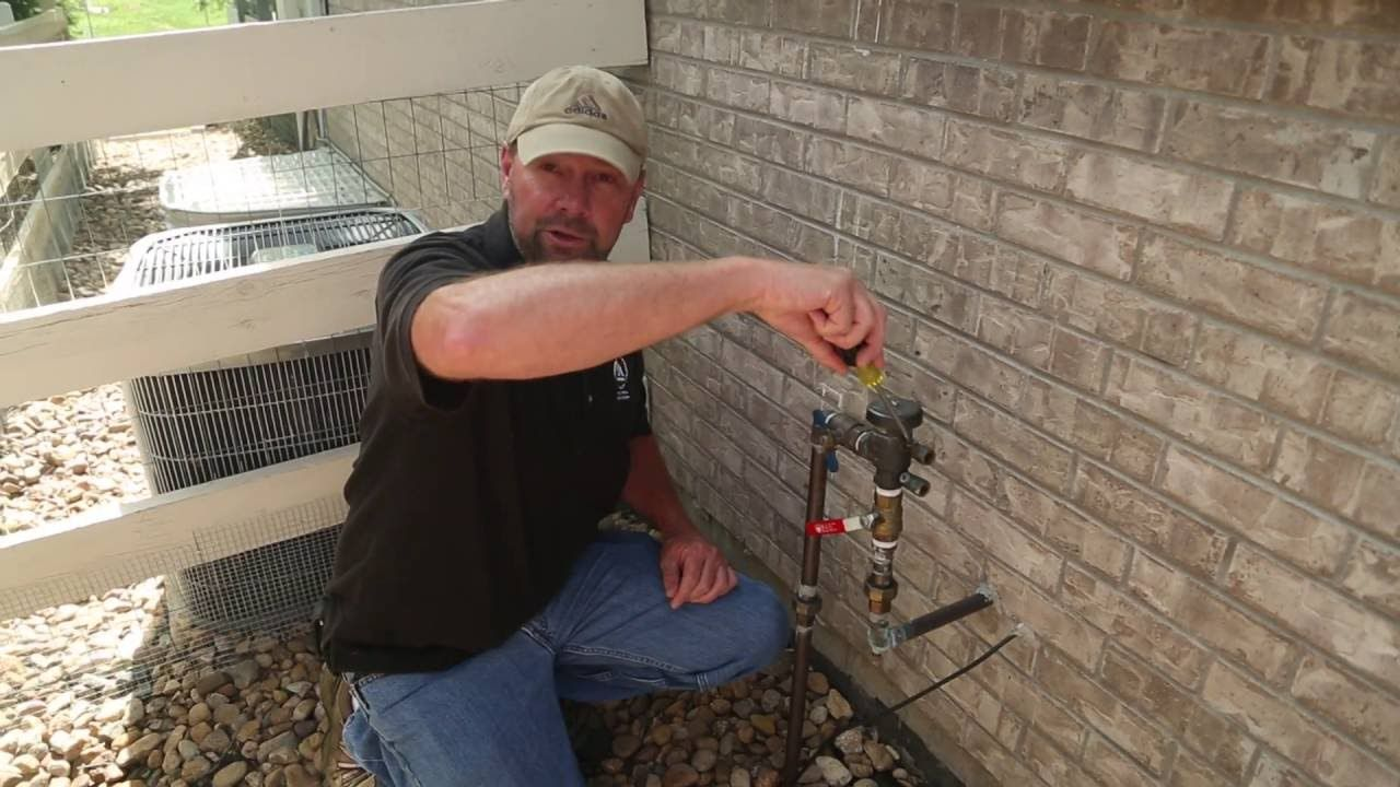How To Winterize Your Sprinklers Youtube Sprinkler Winterize Sprinkler System Sprinkler Repair