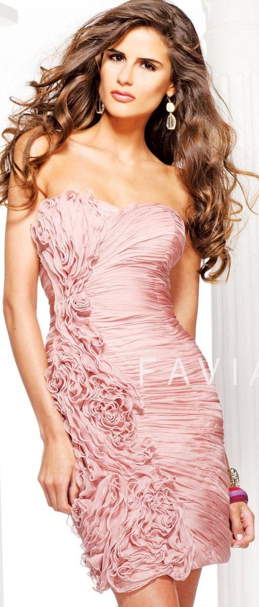 Pin de Tucubanita Llego en Moda con glamour en color rosa claro ...