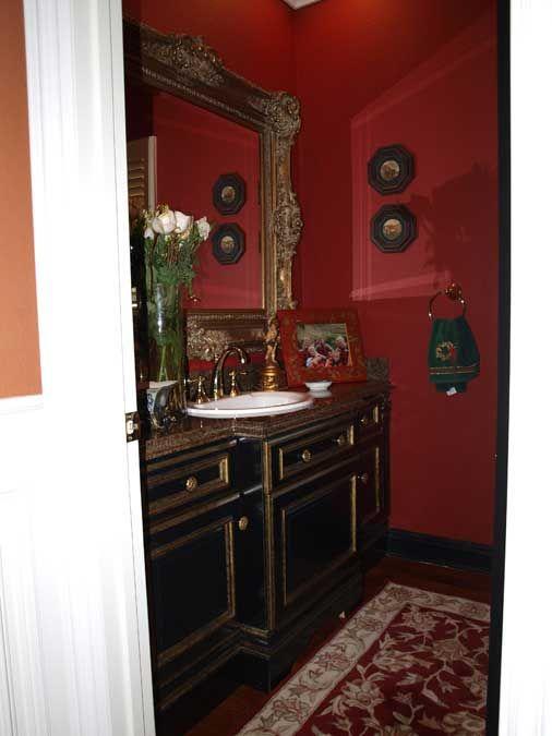 Dark Bathroom | Black and Gold Bathroom