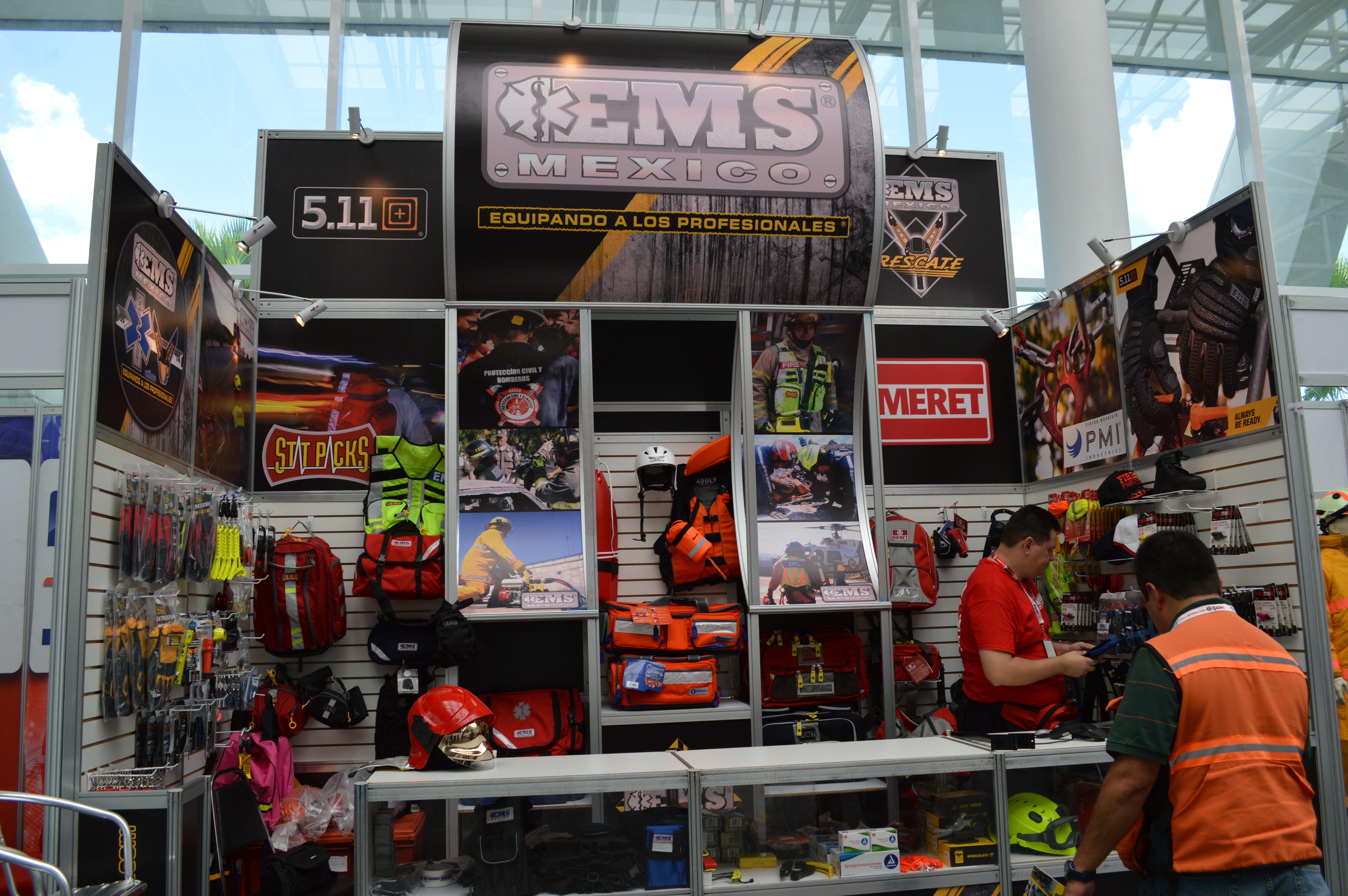 Hoy Viernes 29 Agosto,  último día EMS Mexico en  Expo Bombero 2014 los seguimos esperando ☺ Arteaga,Coahuila.  EMS México   Equipando a los Profesionales