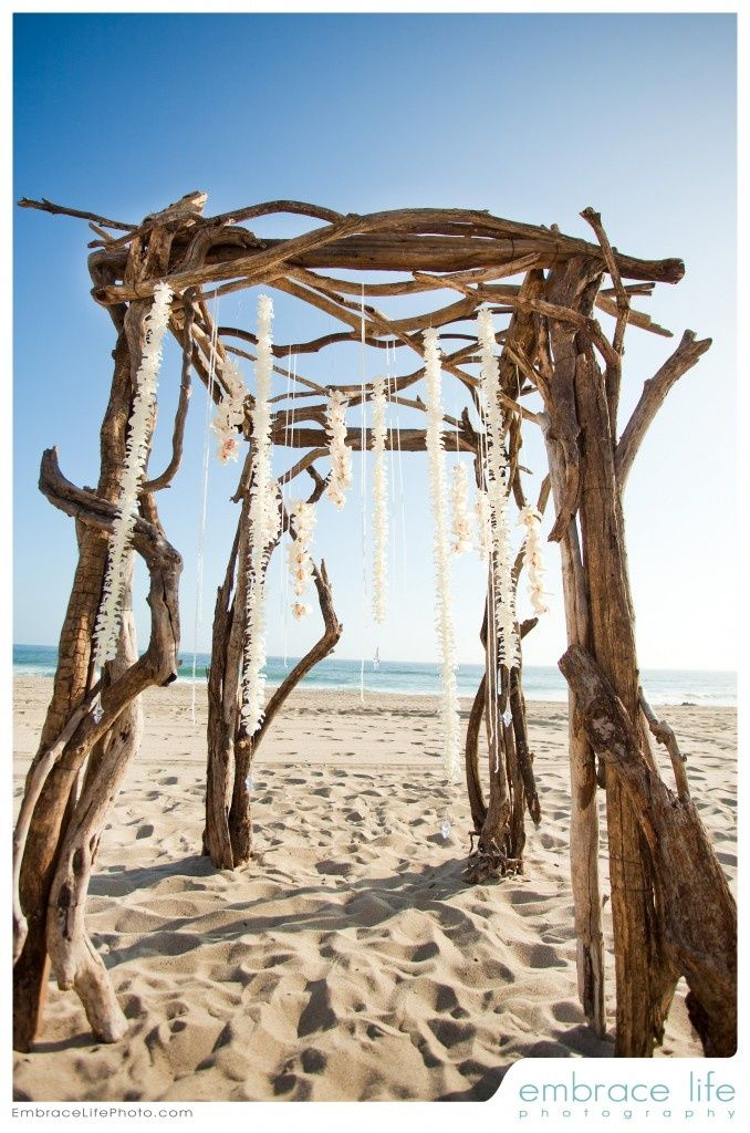 rustic driftwood arch ideas for beach weddings deer