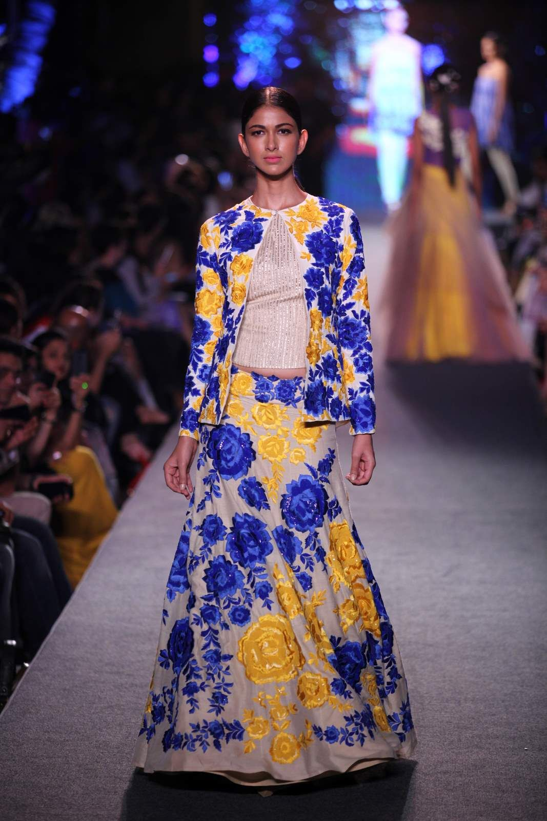 A fashion show with a cause by Manish Malhotra. | NEW NEW ...