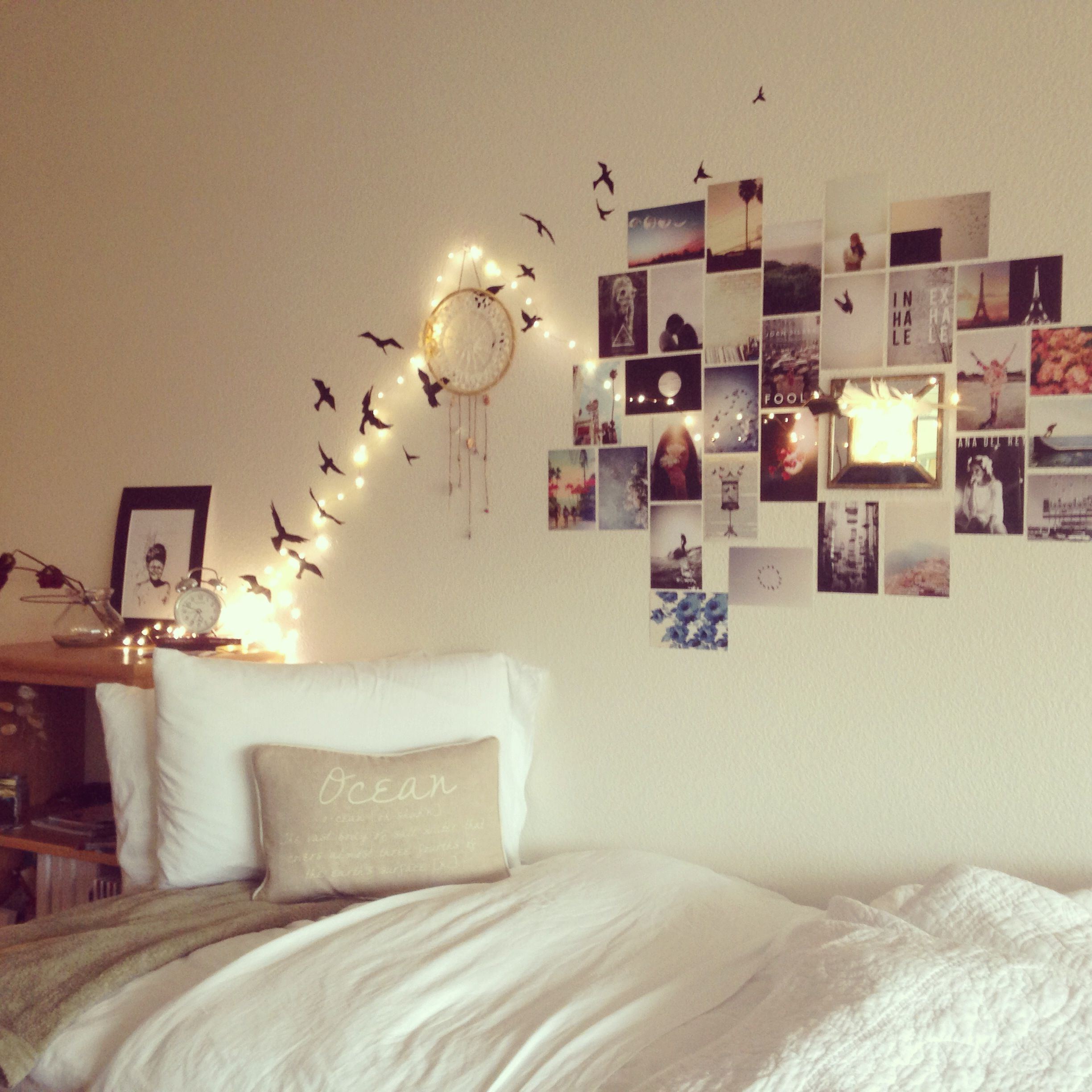 Dorm decor lights - Print Out And Hang Up Favorite Photos From Tumblr Internet If I Can Find