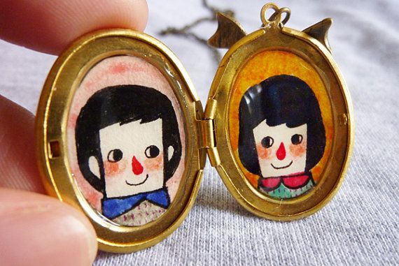 Locket necklace with illustration