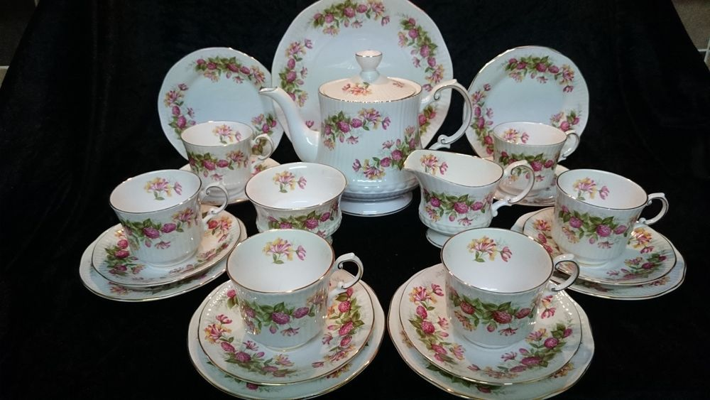 Vintage Queens Bone China England Woman and Home Honeysuckle 22 Piece Tea Set.