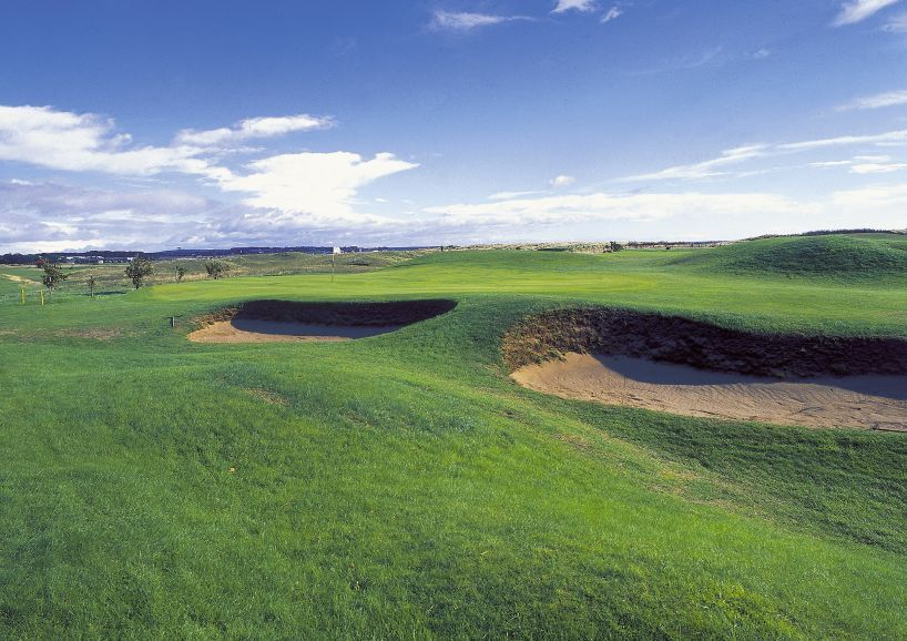 14th hole Arbroath Golf Course The golf course of Arbroath's Artisans' Golf Club is a typical links course, quite flat with subtle undulations for its entire length. Seven holes go straight out on the inside of the course, three cut back and the rest follow the main East Coast railway line separating the fairways from the beach. It is also a very open golf course, with any wind coming off the water or from the west influencing play considerably.