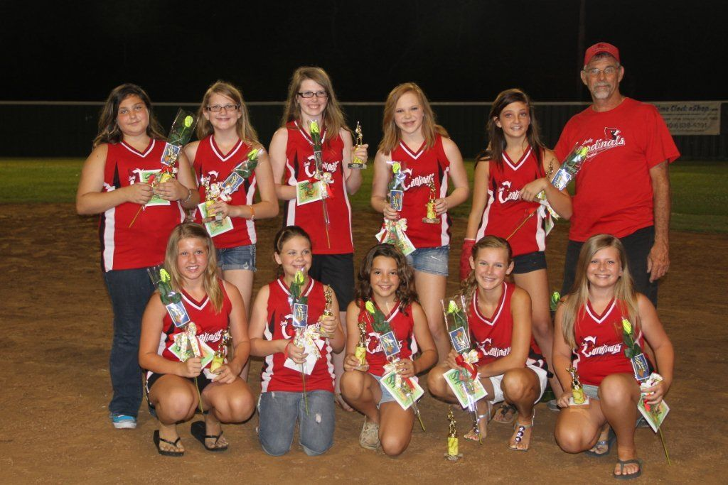 2012 Lady Cardinals Receive Softball Roses For The Bcll Ceremony Softball Roses Softball Lady