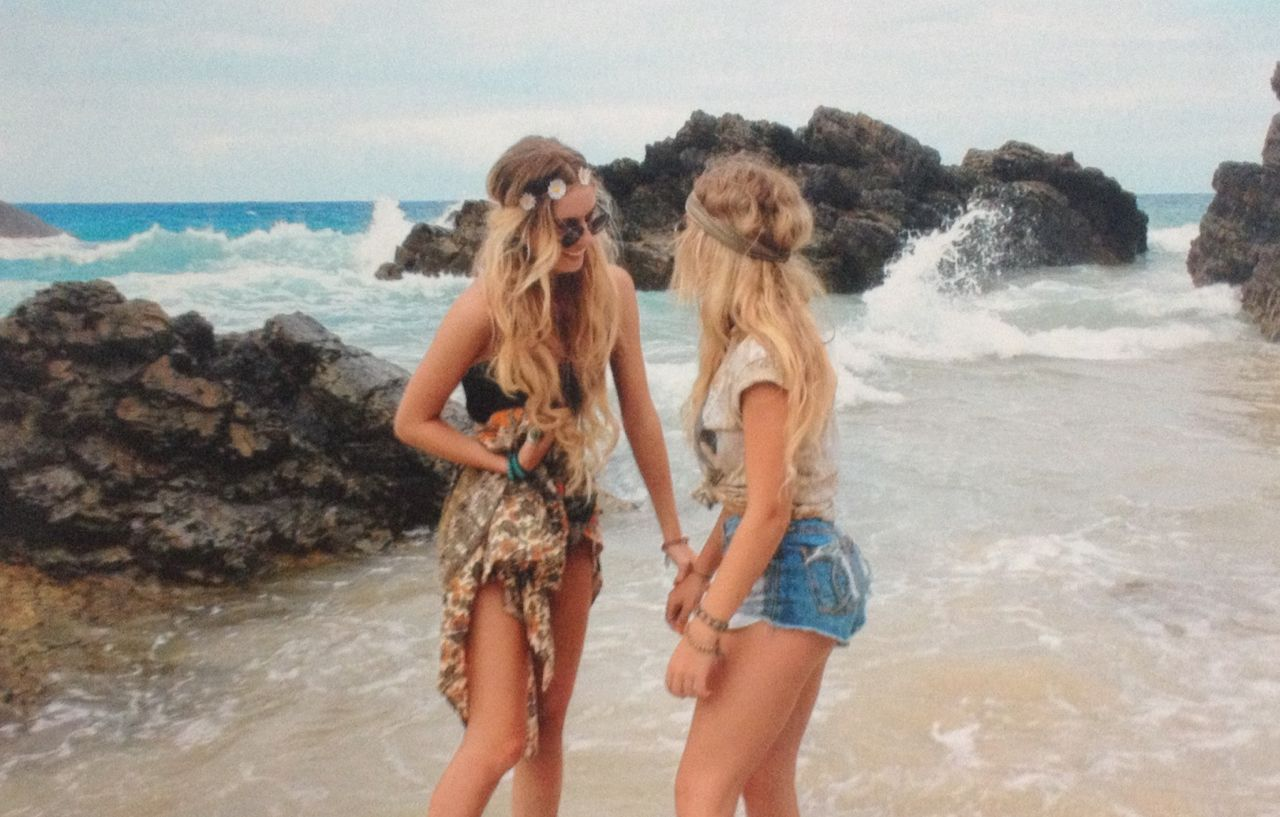 Beach girl, friendship, hippi style , beachy waves, rocks ...