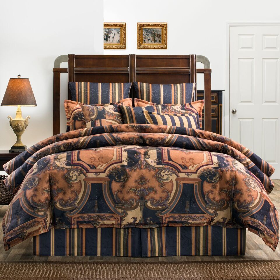 Traditional Elegant Scrolled Jacquard Bedding Comforter