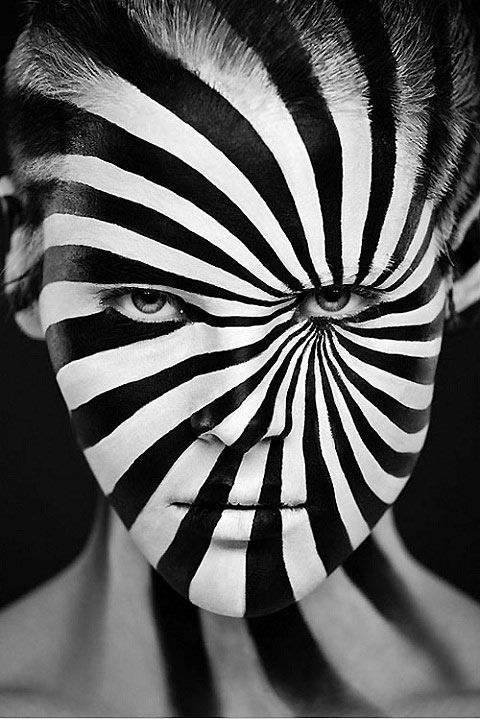 Stunning Black White Makeup And Photography With Images Black And White Face Black And White Portraits Face Art