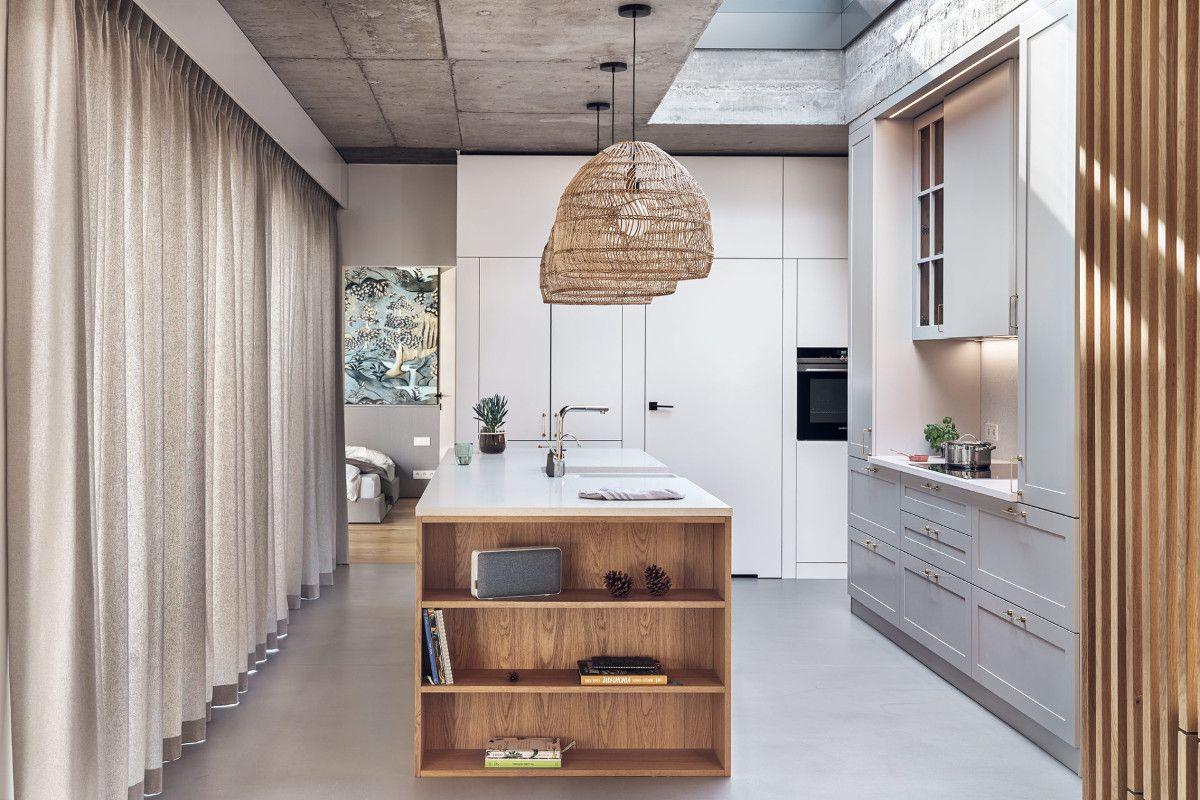 Dekoracyjne Lamele Scienne Ktore Sa Przedluzeniem Frontow Kuchennych W Kolorze Drewna Stanowia Tzw Kropke Na I W Aranzacji Wnetrz Home Decor Home Furniture