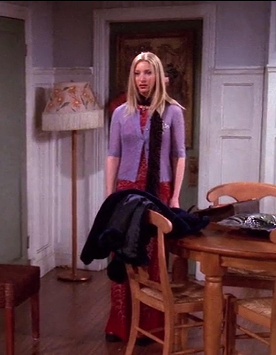 656 Outfits Phoebe Buffay Wore On Friends Fashion Paradoxes Friends Fashion Fashion Phoebe Buffay Outfits [ 1432 x 1114 Pixel ]