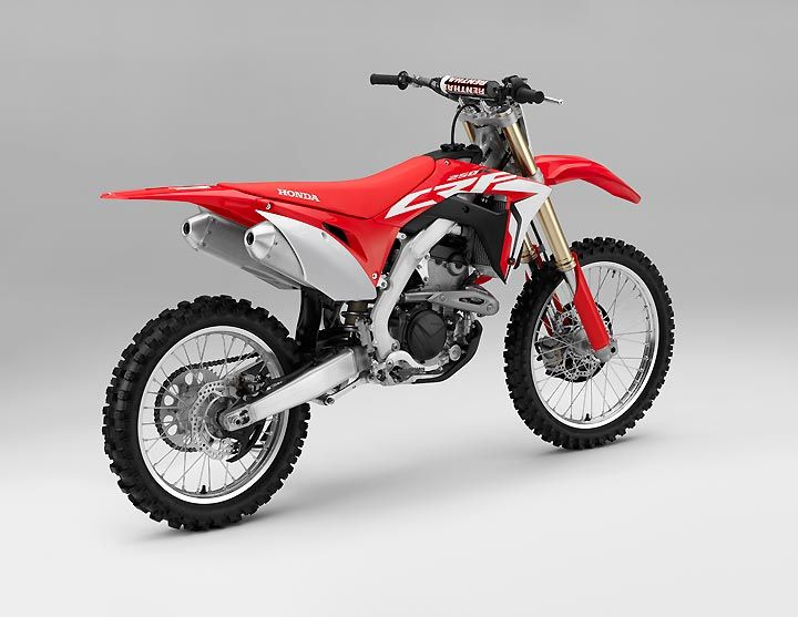 Honda Unveils An All New Dohc Electric Start Crf250r With An Engine Designed To Make Serious High Rpm Power And A Chassis Honda Powersports Honda Motorcycle