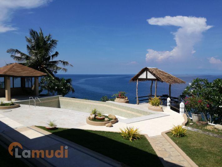 Infinity pool beach house Luxury Beach House In Cebu Province With Infinity Pool Plus Great Views Of The Sea Pinterest Beach House In Cebu Province With Infinity Pool Plus Great Views Of