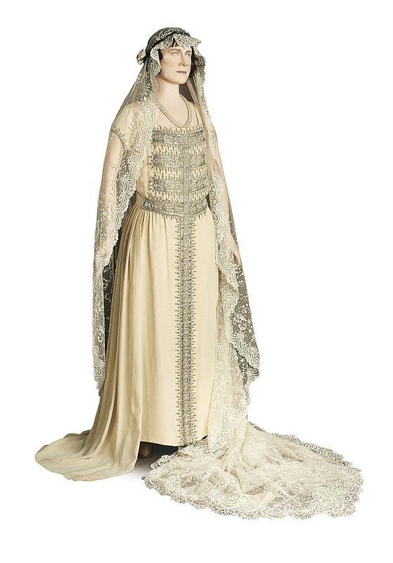 Lady Elizabeth Bowes Lyon S Wedding Dress Royalserendipity Royal Wedding Bride Royalty Serendipity Queen Elizabeth Wedding Royal Wedding Gowns Royal