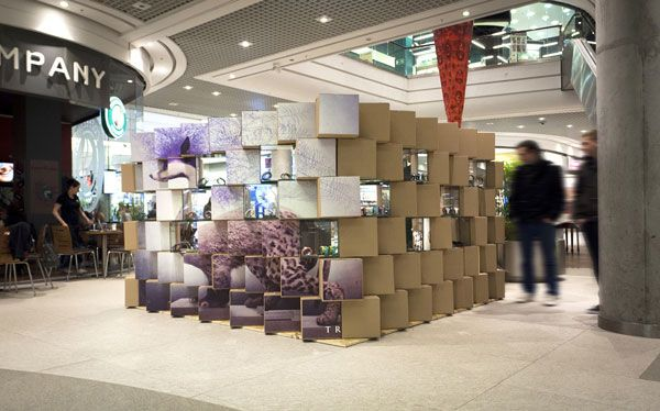 Cool Pop Up Store Made With Carton Boxes Pop Up Store Retail