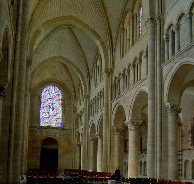 Le Mans Cathedral, Le Mans, Sarthe, France. Transition between Romanesque and Gothic style. In the Footsteps of Eleanor of Aquitaine