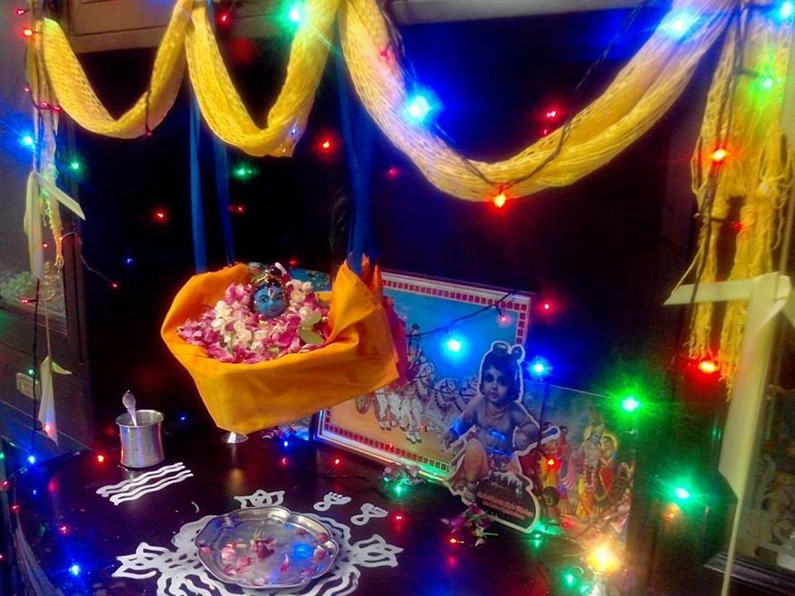 Get Janmashtami Decoration Ideas For Your Home. Learn New Ways To Make  Beautiful Krishna Janmashtami
