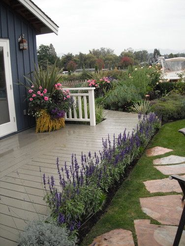 Lavender In A Row Will Work Well Along Garage Lavender Garden Design Pictures Remodel Decor And Ideas Lavender Garden Garden Design Outdoor Gardens