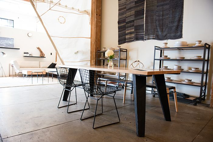 Los Angeles Loft By Stephen Kenn With Bertoia Side Chairs | Knoll  Inspiration