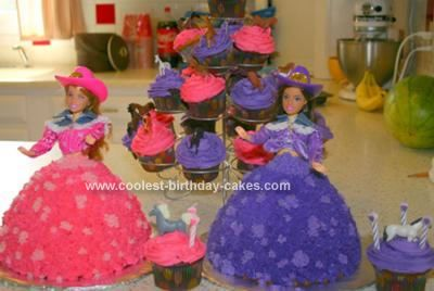 Homemade Cowgirl Cakes: I made these cowgirl cakes for my twin girls.  They were having a horsie/cowgirl party for their third birthday.  I used the Wilton Wonder Mold Pan.  You