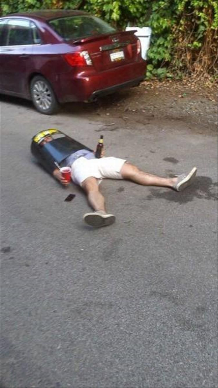 40 Best Funny Pictures of Drunk People of All Time