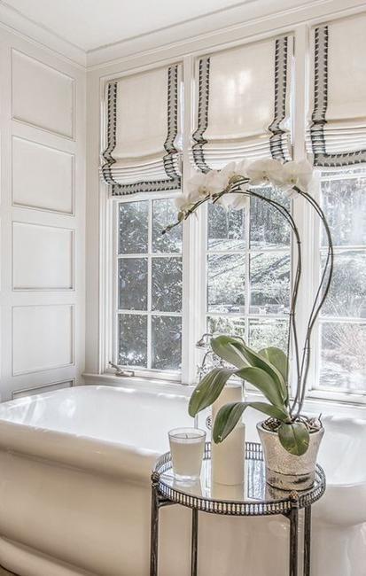 Modern Bathroom Decorating With Fabric Roman Shades