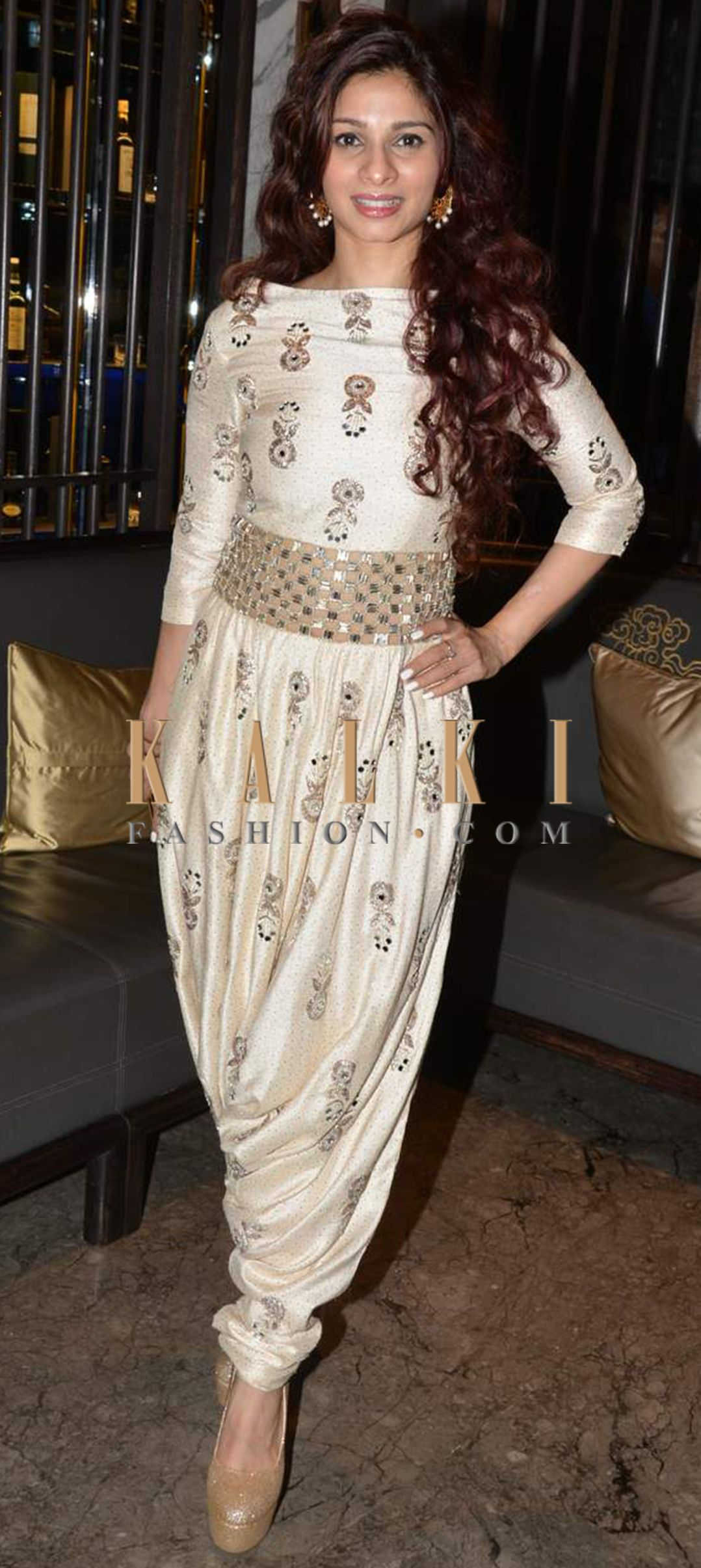 d32878843c Must have Bollywood Style! Find a style match to the celebrity look of your  choice