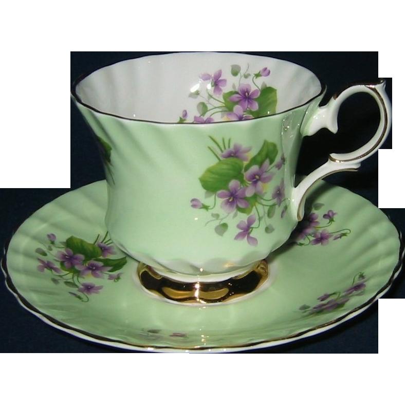 Queen Anne Violets On Green Teacup Set Tea Cups Tea Cups Vintage Pretty Tea Cups