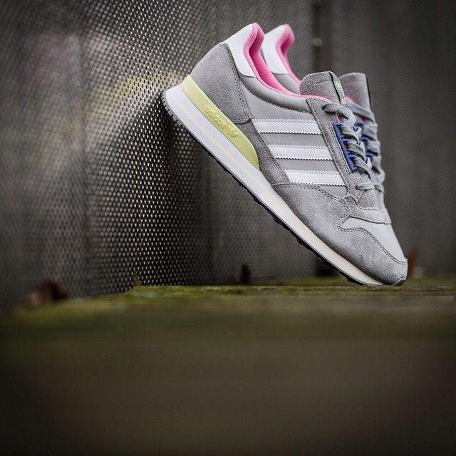 rueda Gigante No de moda  Las nuevas Adidas destacan por su elegancia. #zapatillas #Adidas #tenis2015  #zapatillastendencia #tendencia2015 | Calzado deportivo, Zapatillas, Adidas