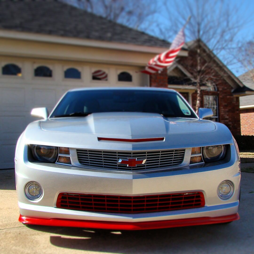 My 2011 Chevy Camaro 2ss Rs Silver Ice Metallic W Victory Red Accents Camaro 2ss Camaro Chevy Camaro