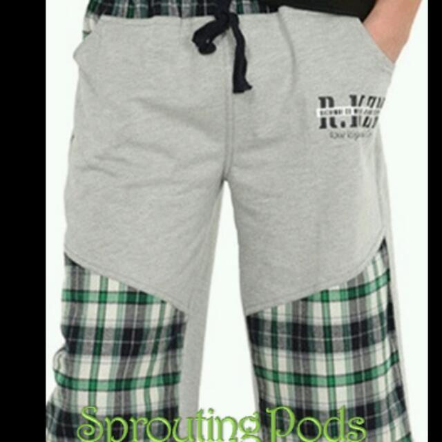 BN Grey Checkered cotton bermuda with elastic waistband.(Size:130,140,160,170)