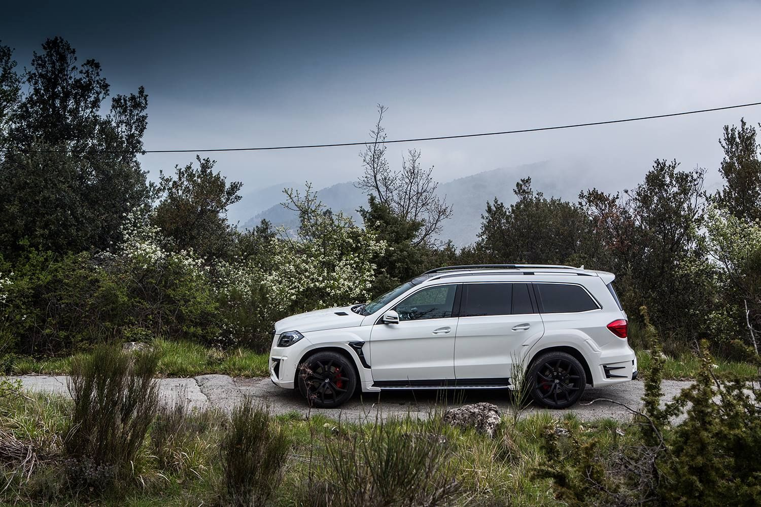 There's a cool new tuning kit for the Mercedes-Benz GL - Black Crystal from Larte Design