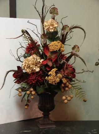 great website for ideas the white hare florals floral home rh pinterest com  tuscan style floral centerpieces