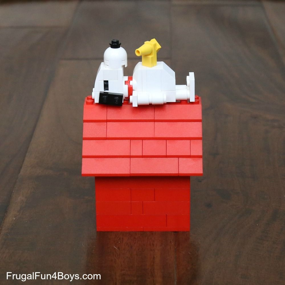 Snoopy And His Dog House Lego Building Instructions Lego Gifts