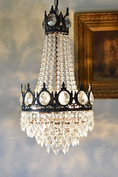 Top 5 reasons to purchase a lead crystal chandelier chandeliers top 5 reasons to purchase a lead crystal chandelier aloadofball Image collections
